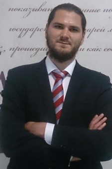 Олег Игоревич Ляховенко